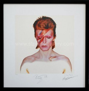 aladdin-sane-print-signed-by-david-bowie-and-philip-castle