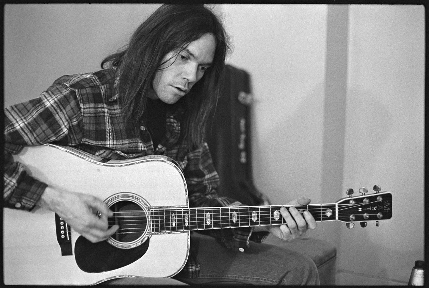 album of the month neil young harvest classic album sundays. Black Bedroom Furniture Sets. Home Design Ideas