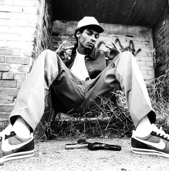 premium selection 1b7e8 31ddf The Story of Dr. Dre 'The Chronic' | Classic Album Sundays